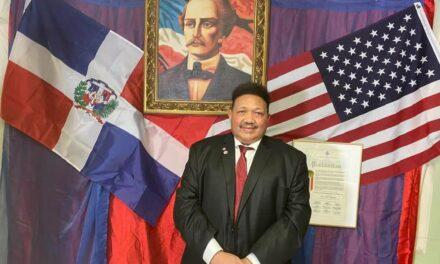 Felipe Febles destaca crecimiento de Parada Dominicana del Bronx en su 31 aniversario