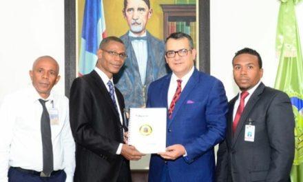 Padrino de la propuesta ley del alguacil, designado en la JCE para el periodo 2020-2024