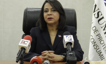 Renuncia Anina del Castillo como directora ejecutiva de Pro-Consumidor