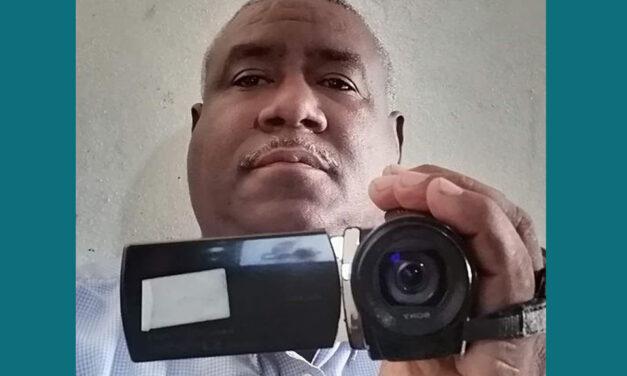 Colegio Dominicano de Periodistas condena encierro de fotoperiodista en cuarto oscuro