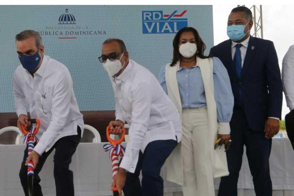 Presidente Abinader inicia construcción de esperado paso a desnivel en Boca Chica