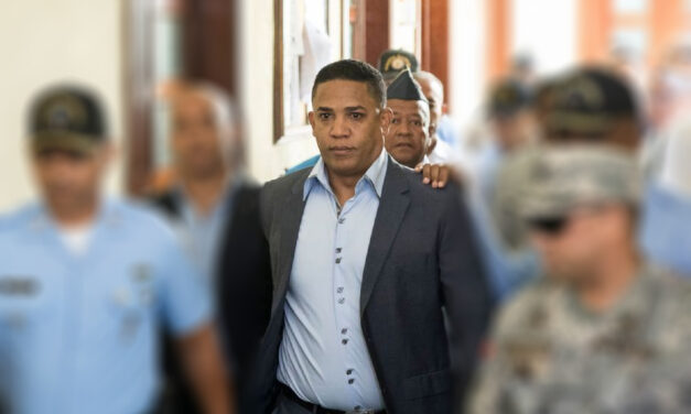 """Fiscales acusan a Octavio Dotel de lavar dinero de la red de """"César el Abusador"""""""