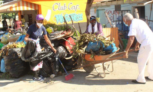 Alcalde Fermín Brito califica de éxito jornada de limpieza convocada por líderes comunitarios