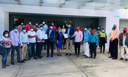 Más de 250 dirigentes del PRD presentan su renuncia a esa organización política