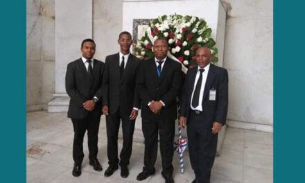 ADA deposita ofrenda floral en Altar de la Patria en conmemoración del día del Poder Judicial
