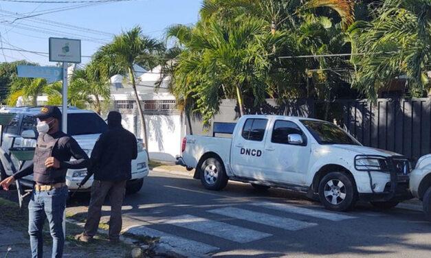 DNCD allana vivienda en la urbanización Paraíso en Santiago en busca de drogas y armas