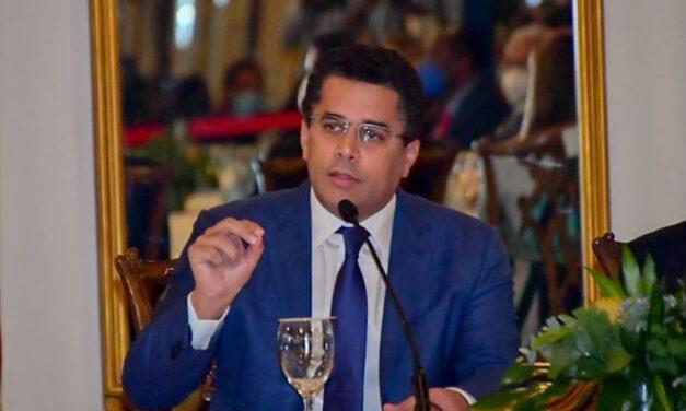 Califican ministro de Turismo enemigo de los dominicanos en el exterior