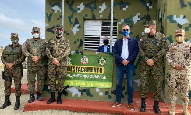 Presidente Abinader hace un recorrido por varios puntos de la zona fronteriza