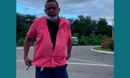 Taxistas tradicionales de Bávaro exhiben un comportamiento prepotente y agresivo