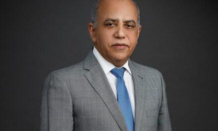 Ejecutivo destituye al ministro de Salud
