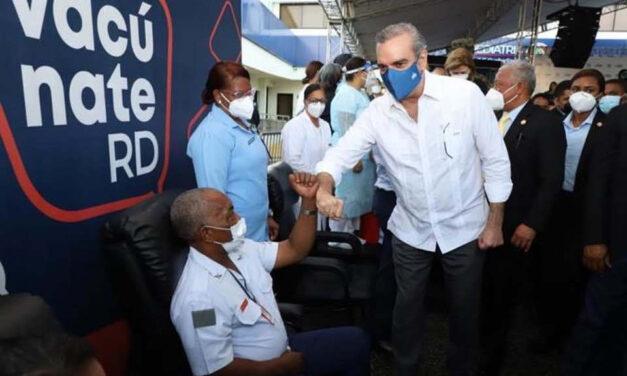 Dominicanos NY aplauden presidente Abinader
