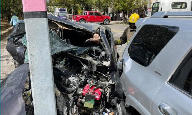 Aparatoso accidente deja 4 muertos
