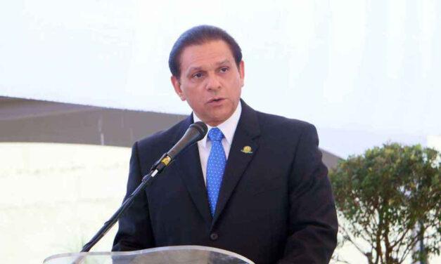 Presidente designa nuevo ministro de Salud