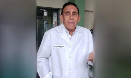 Sacan de terna al doctor Cruz Jiminián