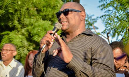Alcalde de La Caleta felicita a los munícipes