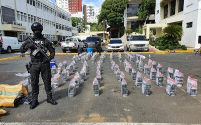 Decomisan otros 615 paquetes de cocaína