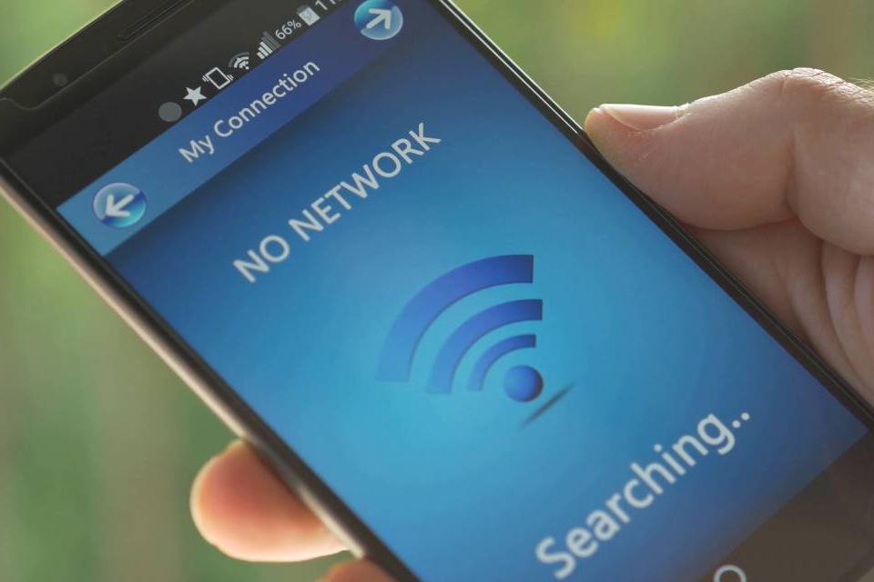 Reportan averías en redes telefónicas