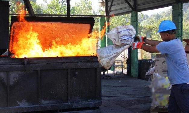 Incineran 25 mil productos dañados
