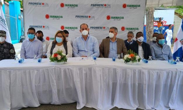 Promese/Cal inaugura en Azua cuatro Farmacias del Pueblo